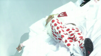 G-Dragon in his super hot tomato pants during his Breathe performance at Inkigayo
